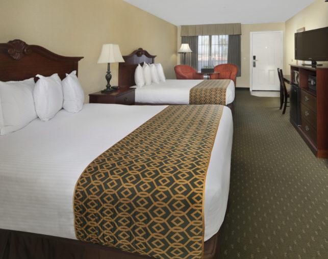 double queen bedroom ada compliant